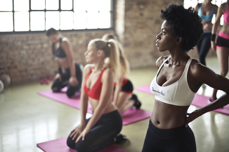 筋トレで腰痛予防!30代からの自宅でできる健康トレーニング方法